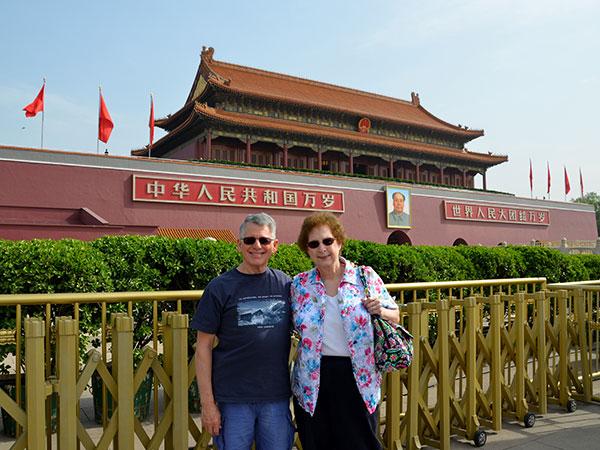Unsere Kunden vor dem Tian'anmen-Platz