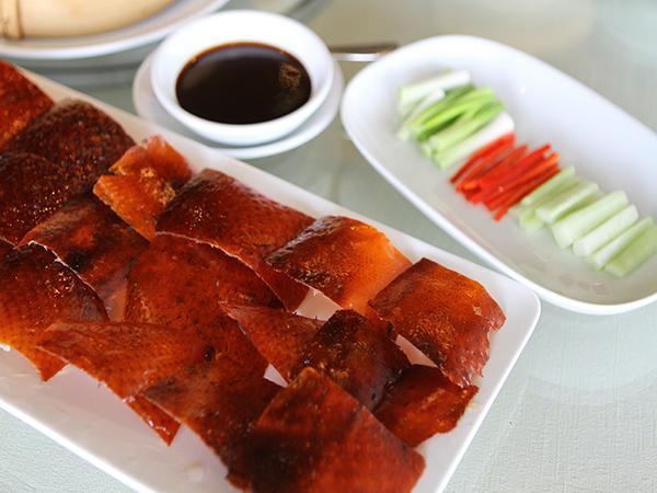 Yawang Bratenten Restaurant