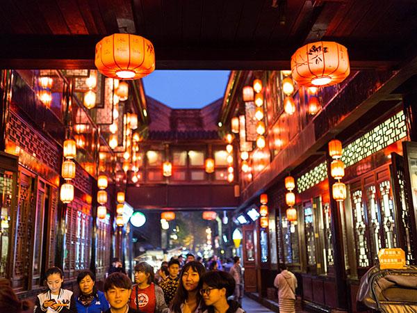 https://de.topchinatravel.com/pic/stadt/chengdu/attractions/jinli-old-street-06.jpg