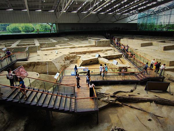 https://de.topchinatravel.com/pic/stadt/chengdu/attractions/jinsha-site-museum-05.jpg
