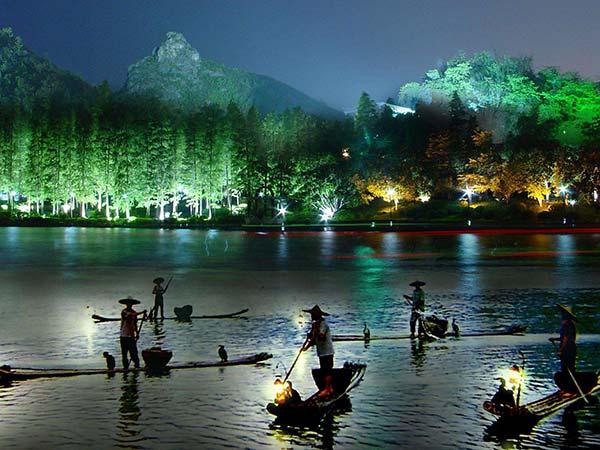 https://de.topchinatravel.com/pic/stadt/guilin/activities/crucero-de-dos-rios-y-cuatro-lagos-14.jpg