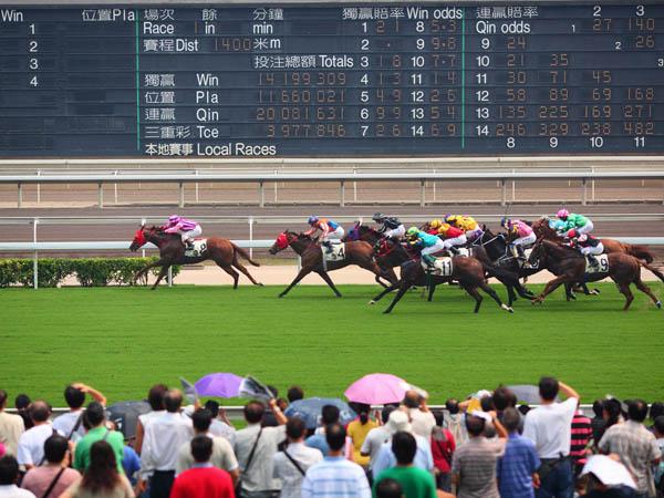 https://de.topchinatravel.com/pic/stadt/hongkong/activities/horse-racing-match-03.jpg
