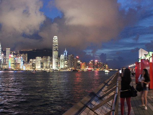 https://de.topchinatravel.com/pic/stadt/hongkong/attractions/avenue-of-stars-hk-01.jpg