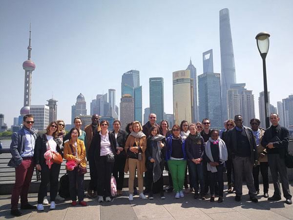 https://de.topchinatravel.com/pic/stadt/shanghai/attractions/The-Bund-3.jpg