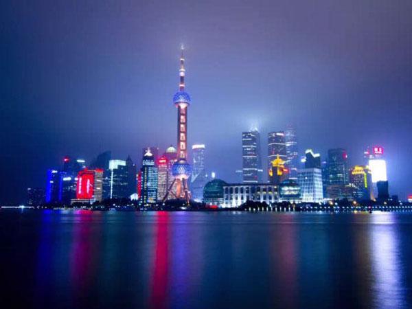 Nachtansicht des orientalische Perle TV Turms