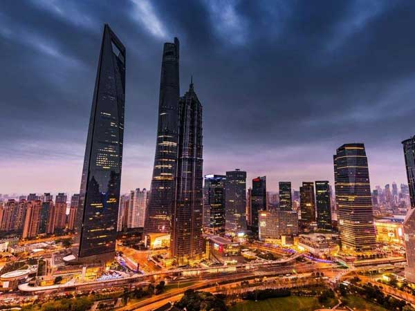 https://de.topchinatravel.com/pic/stadt/shanghai/attractions/shanghaitower04.jpg