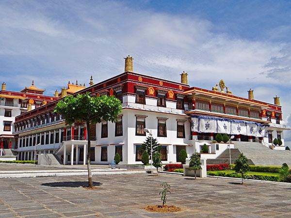 https://de.topchinatravel.com/pic/stadt/tibet/lhasa/attractions/Drepung-Monastery-10.jpg