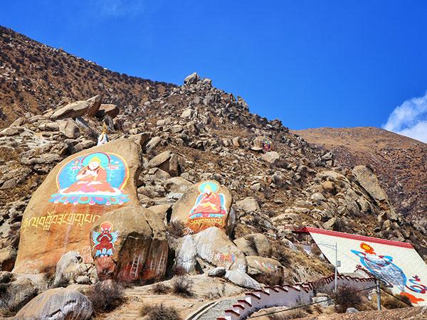 https://de.topchinatravel.com/pic/stadt/tibet/lhasa/attractions/Drepung-Monastery-7.jpg