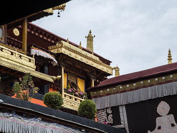 https://de.topchinatravel.com/pic/stadt/tibet/lhasa/attractions/Jokhang-Temple-14.jpg