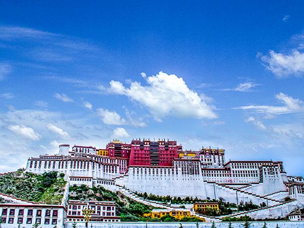 https://de.topchinatravel.com/pic/stadt/tibet/lhasa/attractions/Potala-Palace-13.jpg