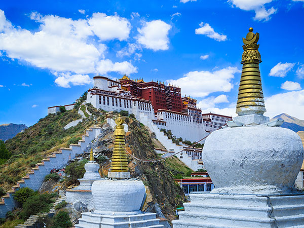 https://de.topchinatravel.com/pic/stadt/tibet/lhasa/attractions/Potala-Palace-19.jpg