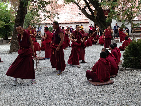 https://de.topchinatravel.com/pic/stadt/tibet/lhasa/attractions/Sera-Monastery-10.jpg