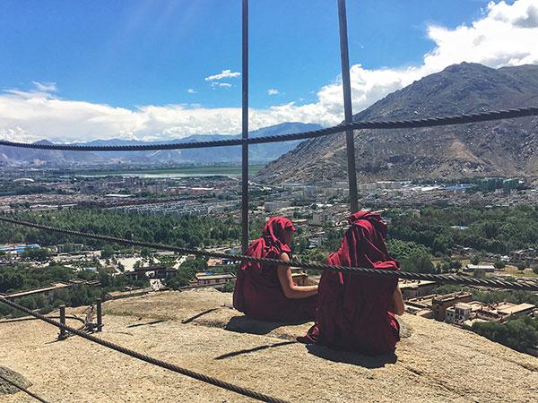 https://de.topchinatravel.com/pic/stadt/tibet/lhasa/attractions/Sera-Monastery-8.jpg