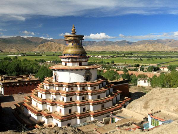 https://de.topchinatravel.com/pic/stadt/tibet/shigatse/attractions/Palkhor-Monastery-7.jpg