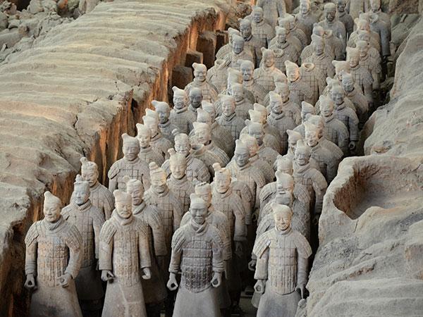 https://de.topchinatravel.com/pic/stadt/xian/attractions/Qin-Terracotta-Army-7.jpg