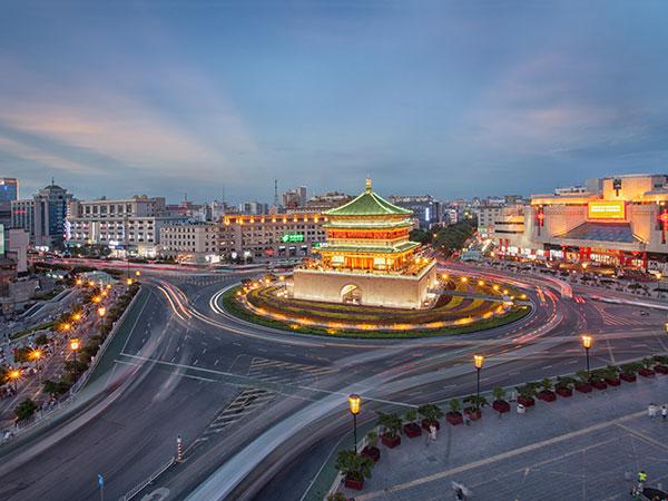 https://de.topchinatravel.com/pic/stadt/xian/attractions/the-bell-tower-04.jpg