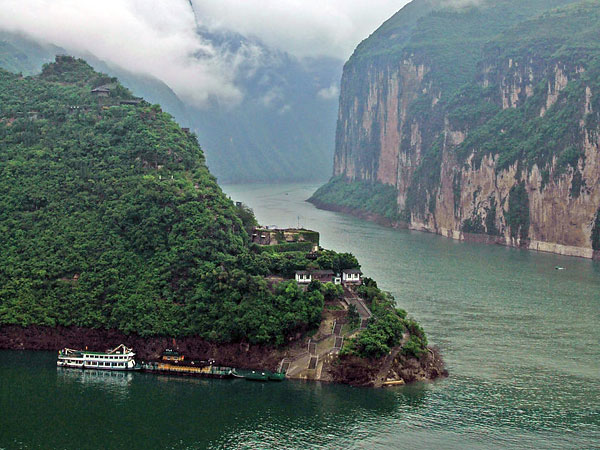 https://de.topchinatravel.com/pic/stadt/yangtze-river/attractions/qutang-gorge-10.jpg