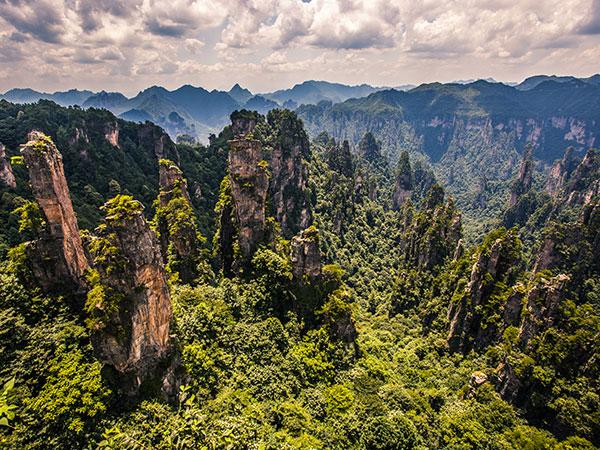 https://de.topchinatravel.com/pic/stadt/zhangjiajie/attractions/Zhangjiajie-National-Forest-Park-8.jpg